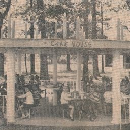 Kid Friendly Cafe House at Lake Winnie